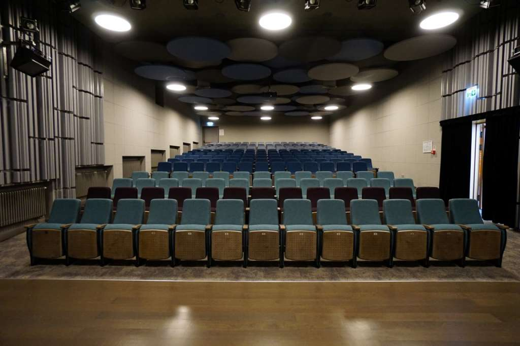 Theatre chairs teatro kedes